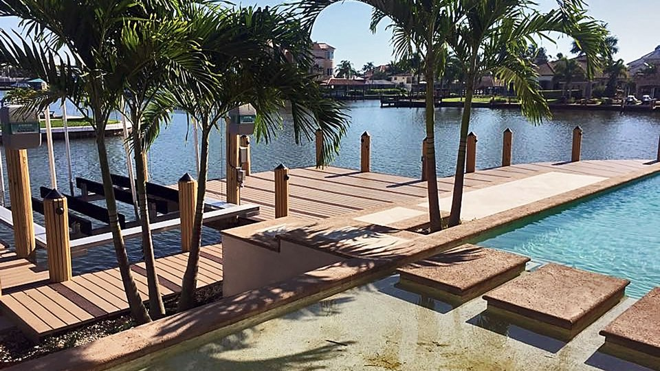 Two tone dock deck and lift